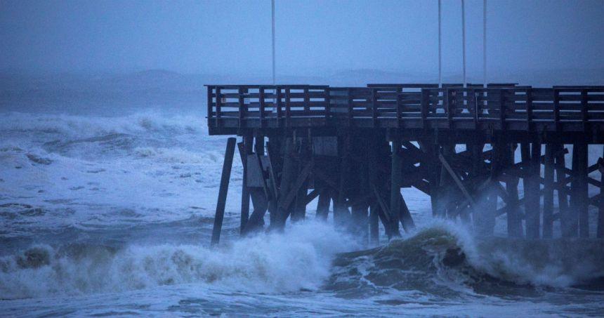 """dorian huracan 1 - El huracán """"Dorian"""" recupera fuerza y sube a categoría 3; avanza hacia la costa este de Estados Unidos"""