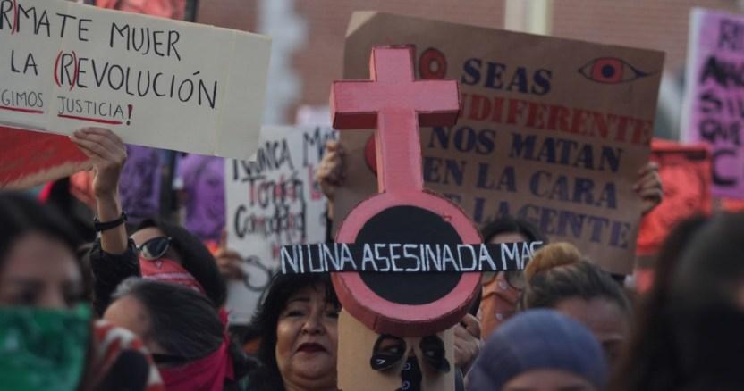 marcha feminista - Mujeres irrumpen en Poder Judicial del Estado de Sonora después de marchar por la violencia de género - #Noticias