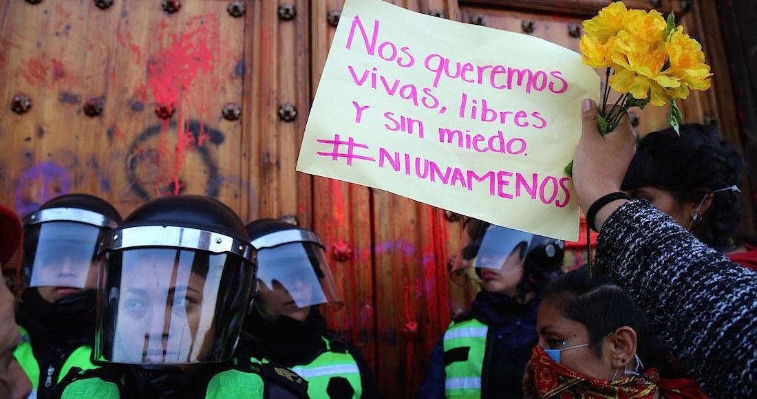Protestas-de-mujeres-por-feminicidios-en-México