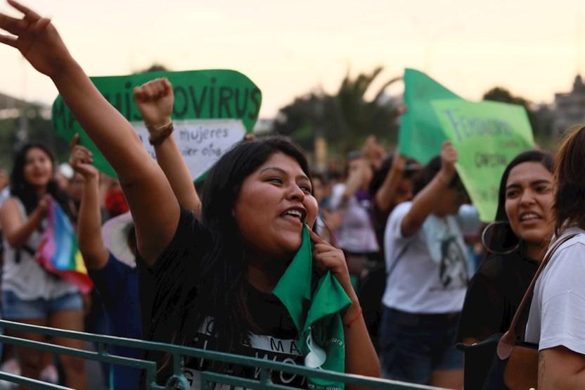 58f29d1f7642f4dc9ad63a43d2736bf26370ec1f - Mujeres en el mundo marchan en el 8M con mensajes a favor de la igualdad y contra la violencia - #Noticias