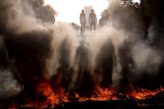 chile - Manifestantes en Chile despiden semana marcada por huelga feminista con nueva protesta en Plaza Italia - #Noticias