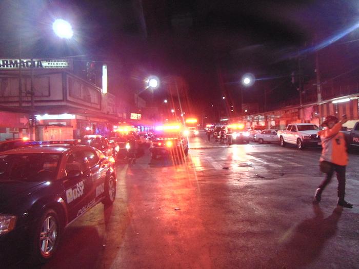 Los cuerpos de seguridad siguieron llegando en el transcurso de la madrugada al Metro Tacubaya. Foto: Carlos Vargas, SinEmbargo