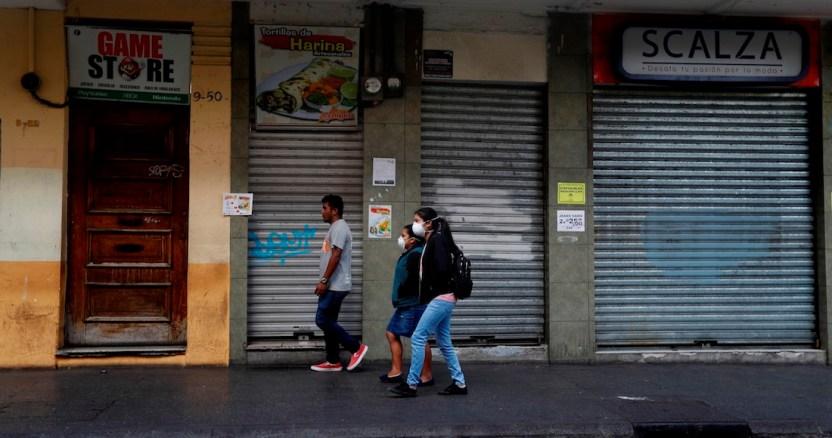 economia latam - El dólar supera el techo de los 24 pesos por uno, y la tendencia sugiere que buscará ahora los 25 buscará ahora los 25