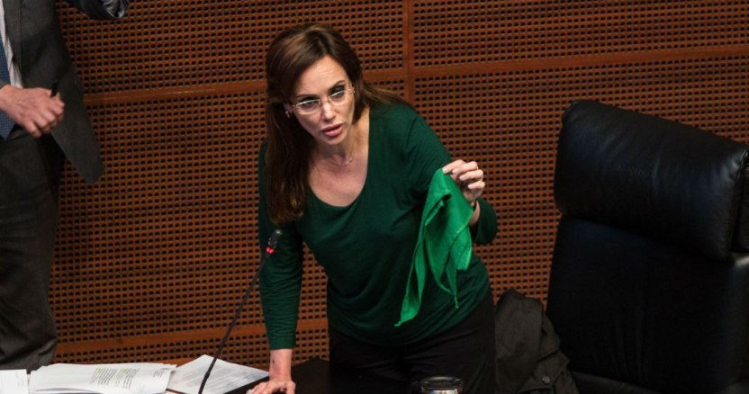 image 2019 03 12 194512 - Lilly Téllez anuncia que deja la bancada de Morena, y usuarios de Twitter le piden dejar su curul