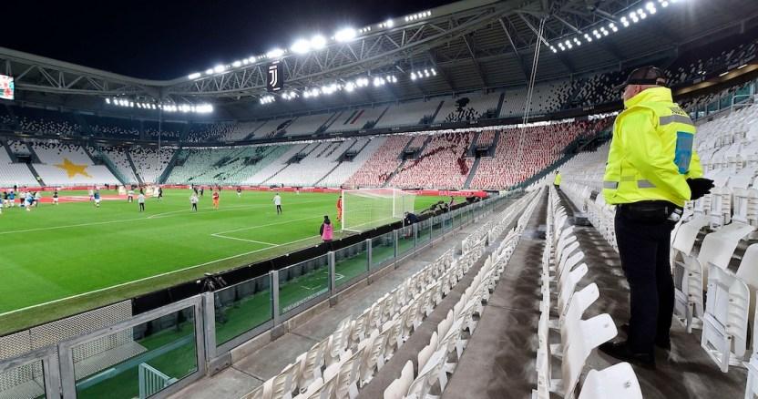 italia deportes - La UEFA confirma que el PSG-Borussia Dortmund y Olympiacos-Wolves se jugarán a puerta cerrada - #Noticias