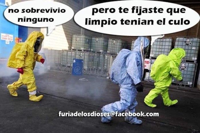photo5726821376177842101 1 - Usuarios tapizan de memes las redes por el COVID-19: desde las playas mexicanas hasta el papel higiénico