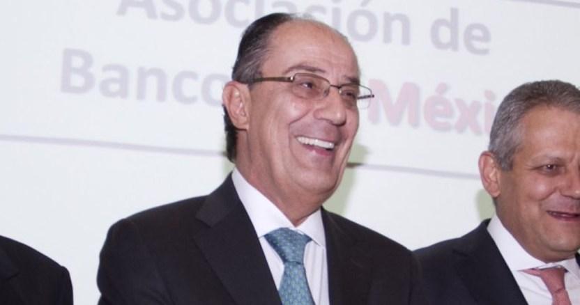 ruiz sacristan bmv - Versiones indican que José Kuri, quien fue a EU con Ruiz Sacristán, sería la primera muerte en México