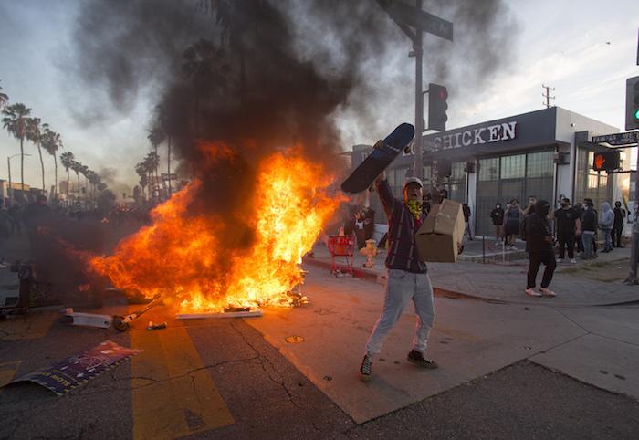 La protesta contra la muerte de George Floyd en Los Ángeles, 30 de mayo del 2020.