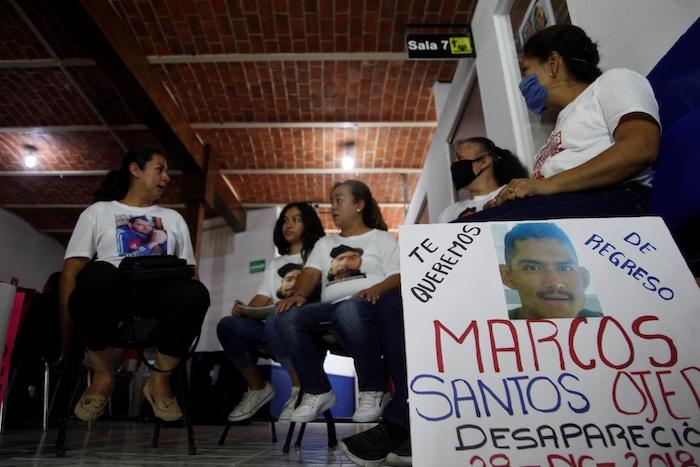 Familiares de desaparecidos hablan con Efe, el 19 de junio de 2020, en el municipio de Chapala, en el estado de Jalisco (México).