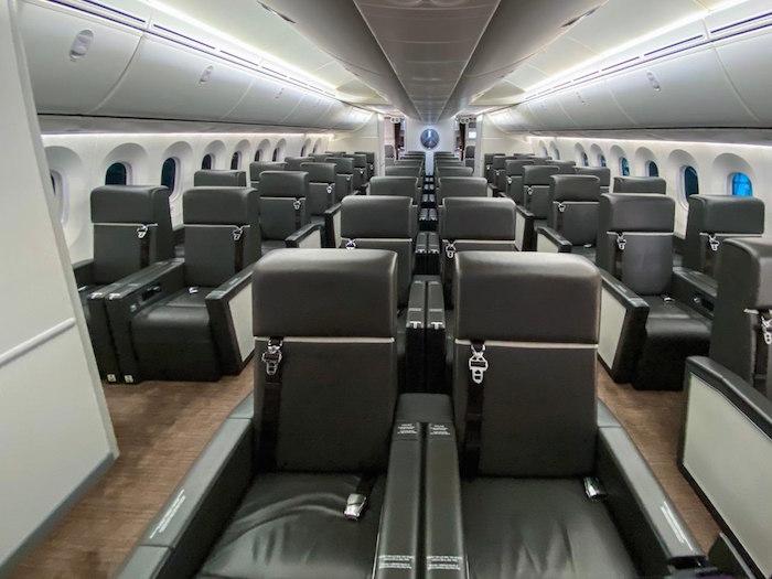 Los asientos del avión presidencial cuentan con varias comodidades.