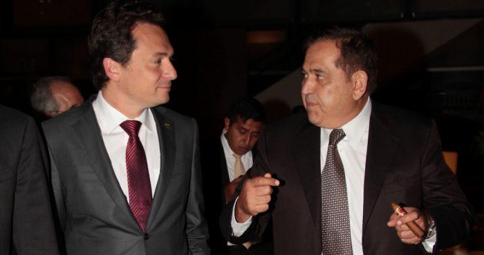 Imagen correspondiente al 12 de septiembre de 2013, en la cual Emilio Lozoya, quien en aquellos días estaba al frente de Pemex, y Alonso Ancira, presidente de la empresa AHMSA.