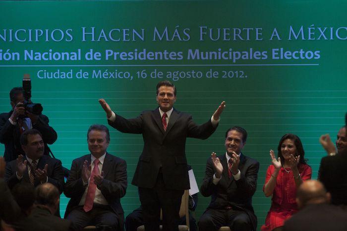 """En 2012, Enrique Peña Nieto, candidato ganador de la elección Presidencial, encabezó el evento """"Los Municipios hacen más fuerte a México"""", organizado por la Federación Nacional de Municipios de México A.C., en el hotel Melía de Reforma."""