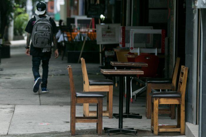 sillas-vacias-restaurante-cdmx