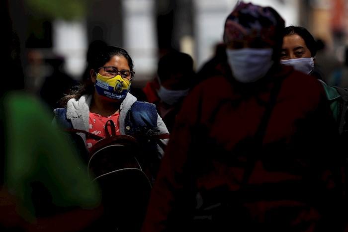 ecuador covid - El mundo supera los 25 millones de casos de COVID-19: Johns Hopkins; van 842 mil 702 muertes