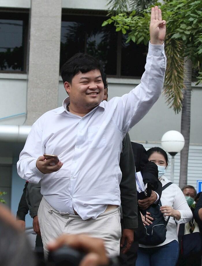 manifestacion bangkok - ONGs de DDHH piden que se retiren los cargos contra líder del movimiento estudiantil en Tailandia