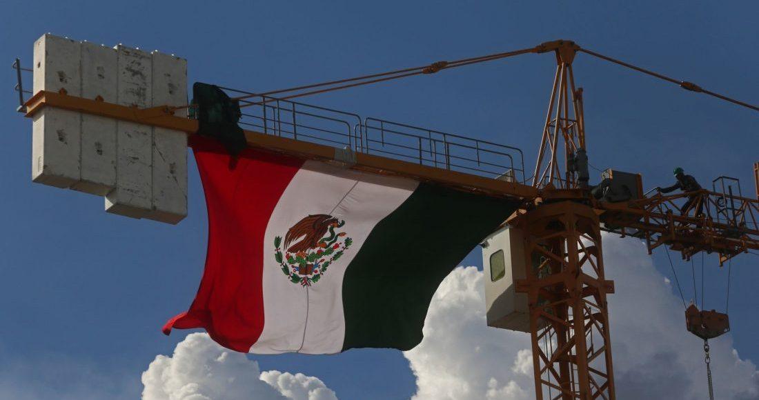 bandera-mexico-construccion