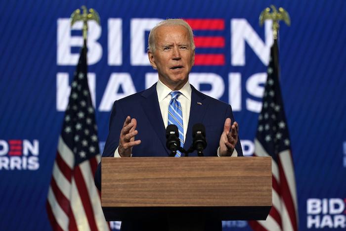 El candidato demócrata a la Presidencia Joe Biden habla durante una conferencia el miércoles 4 de noviembre de 2020, en Wilmington, Delaware.