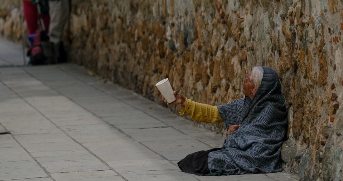 mujer-anciana-limosna-méxico-oaxaca