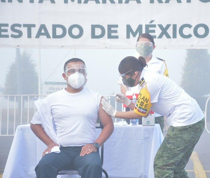 Daniel Díaz Domínguez, mayor médico cirujano, jefe de Asistencia Interna del Hospital Militar de zona en Toluca, Estado de México.