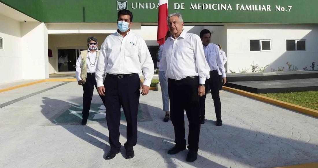 Francisco García Cabeza de Vaca, Gobernador de Tamaulipas, y el Presidente Andrés Manuel López Obrador, durante la inauguración de la Unidad de Medicina Familiar No. 7 del IMSS, en Tamaulipas.
