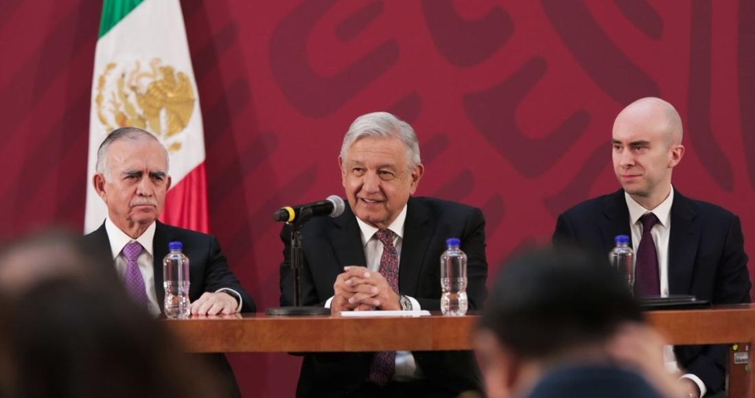 El exjefe de la Oficina de Presidencia, Alfonso Romo; el Presidente Andrés Manuel López Obrador; y el Secretario Técnico de la Presidencia, Carlos Torres Rosas.