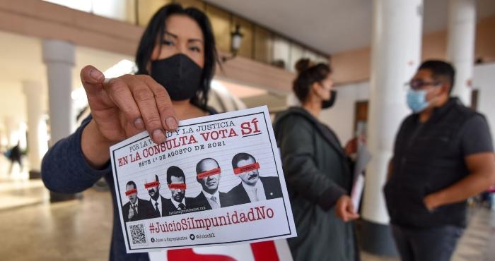 Promueven en la ciudad de Toluca la Consulta Popular de Juicio a Exresidentes que se realizará el próximo 1 de agosto.