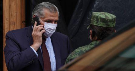 Adán Augusto López Hernández se retira de Palacio Nacional tras reunirse con el Presidente Andrés Manuel López Obrador y Olga Sánchez Cordero.