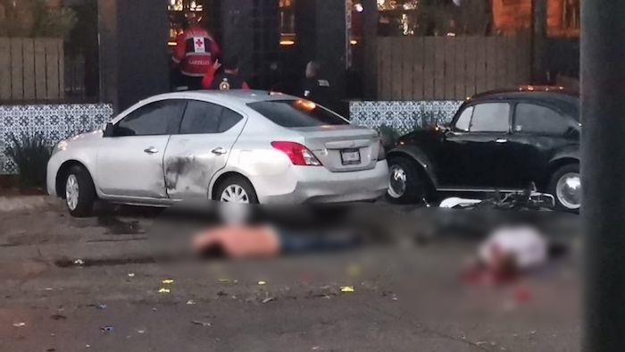 El dueño y gerente de un restaurante murieron al abrir un regalo que explotó en Salamanca, Guanajuato.