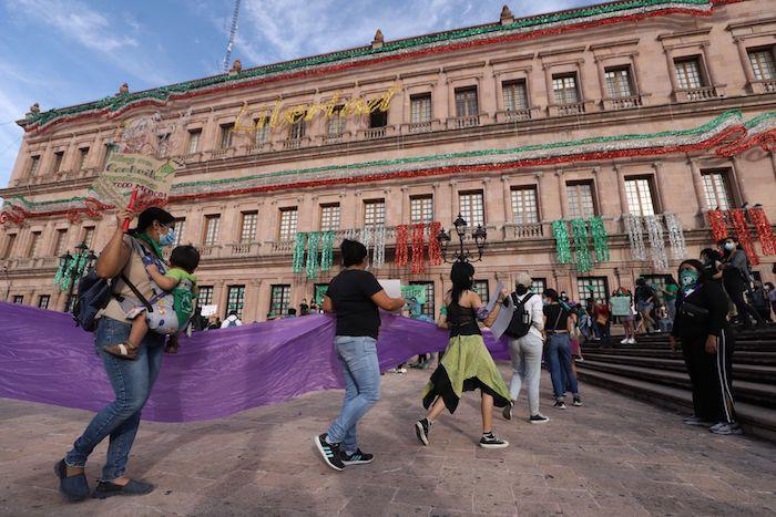 Colectivas feministas celebraron la decisión de la despenalización del aborto en Coahuila.