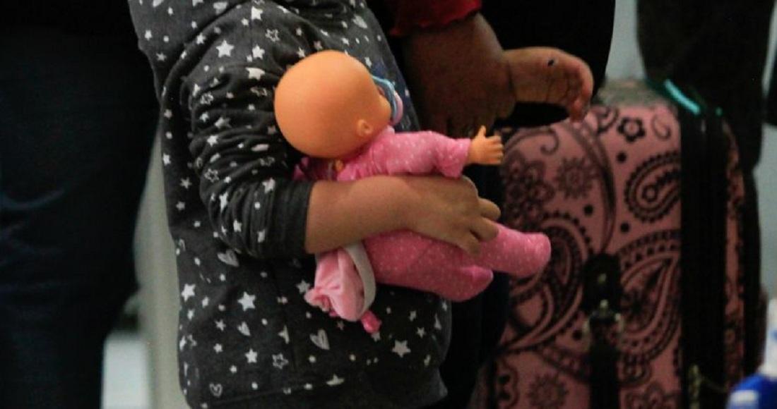 Hombre encuantra muñeca siniestra en nueva casa