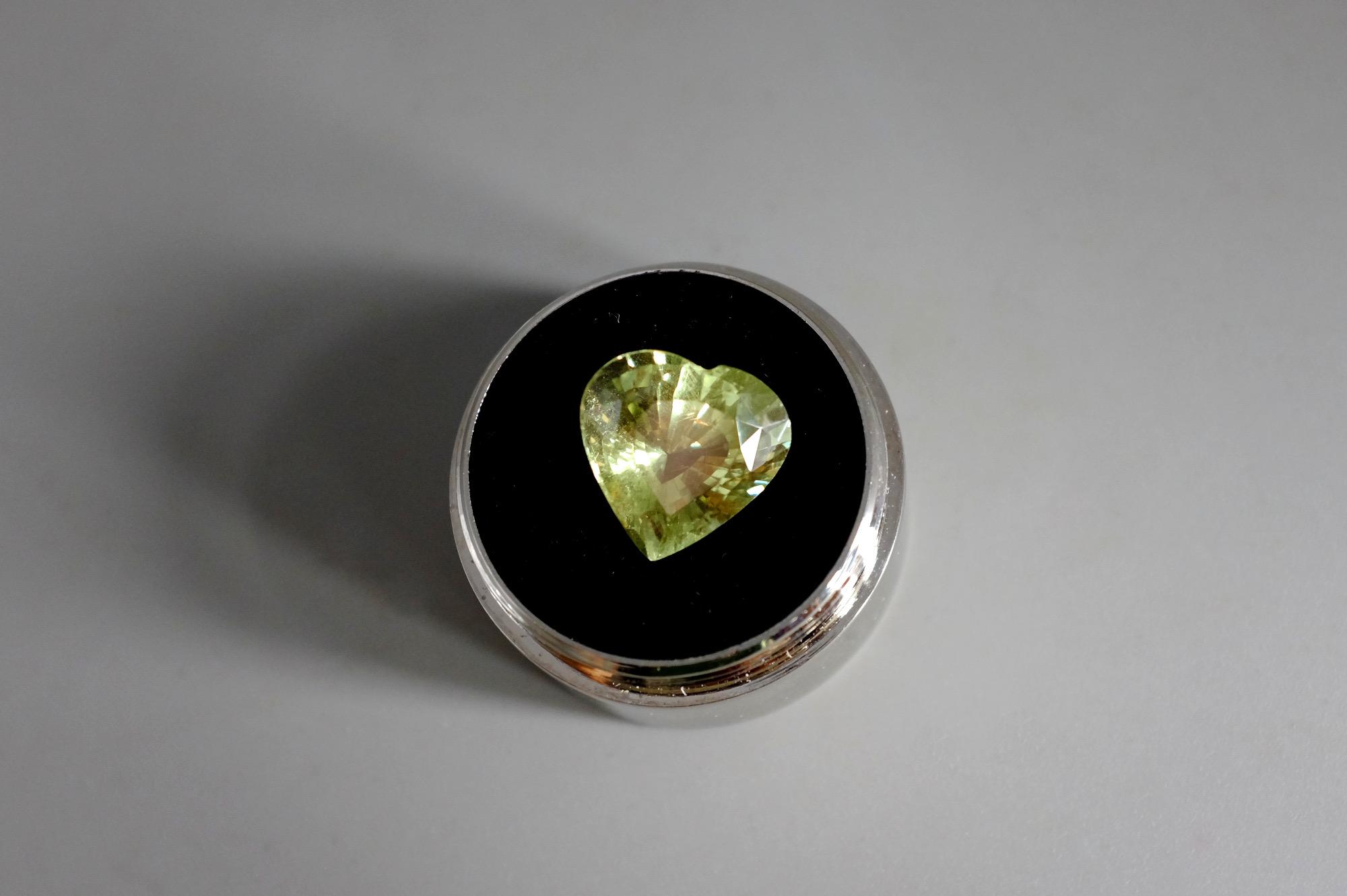 SIJS, mint green grossular garnet, green heart gemstone, grossular garnet gemstone meaning, green garnet gemstone, heart cut garnet, singapore rare gems, rare gems for sale