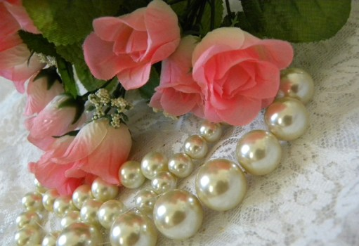 pearls and roses