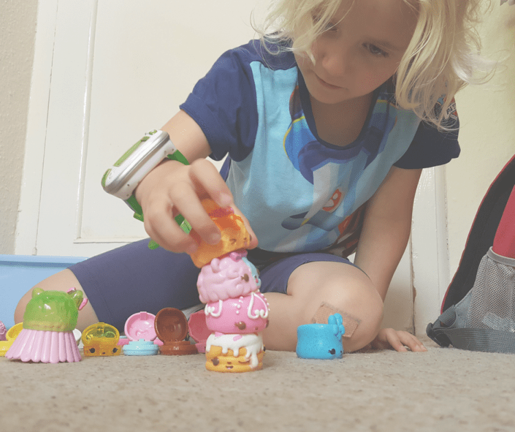 num-noms-series-four-playing