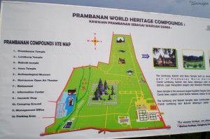 Cartel explicativo en Prambanan