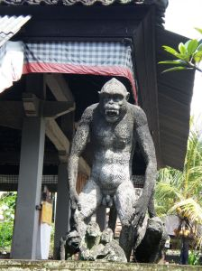 Escultura de mono en Bali