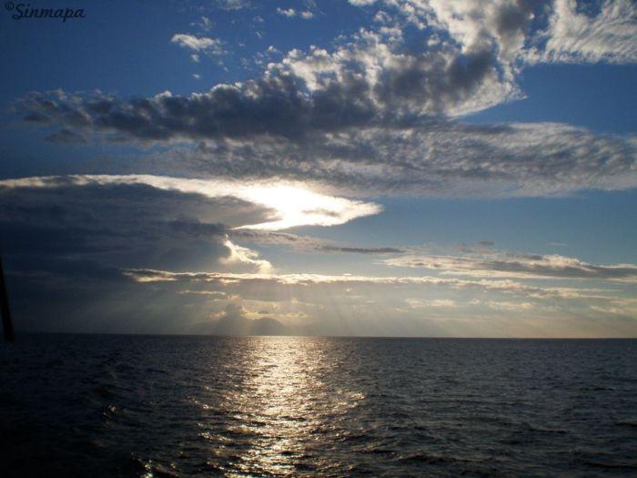 Atardecer en el mar - Camino a Gili T