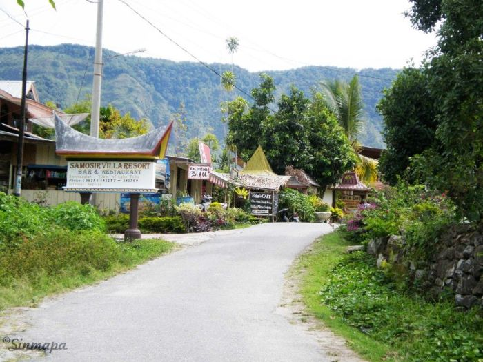 Calles de TukTuk, Samosir supervolcán Toba