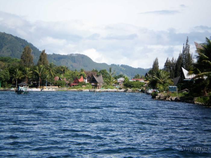 Vistas de Samosir, desde el barco