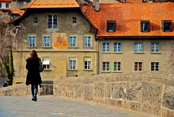 Mujer turista Miedo a viajar