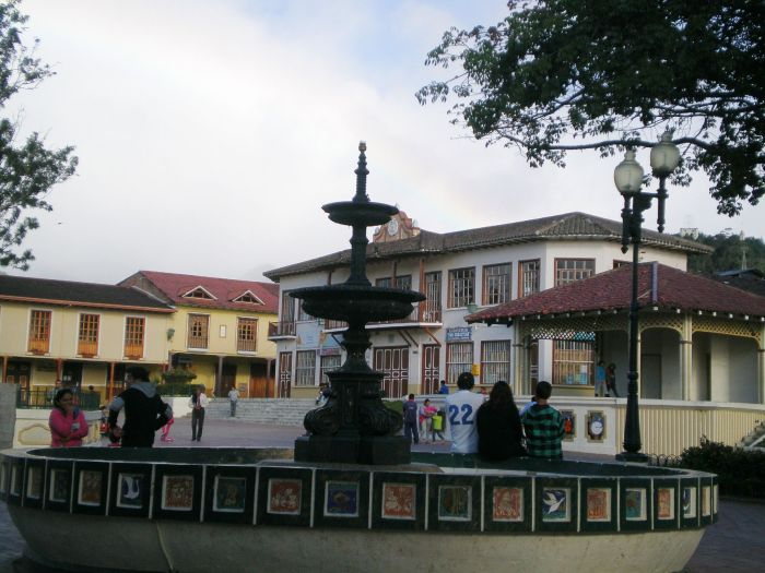 plaza central de Loja