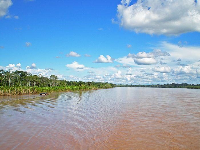 Vistas desde el barco carguero de Yurimaguas a Iquitos - Amazonia