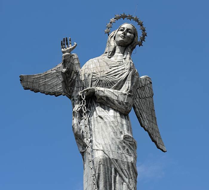 Virgen en el Panecillo de Quito, Ecuador