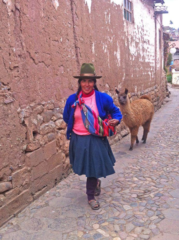 por las calles de la ciudad Cusco