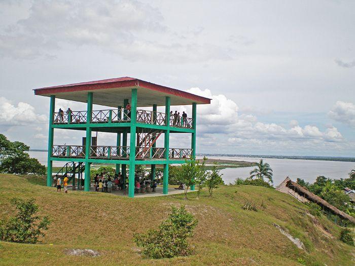 Mirador - Comuna Independencia qué ver en Iquitos Amazonas Perú