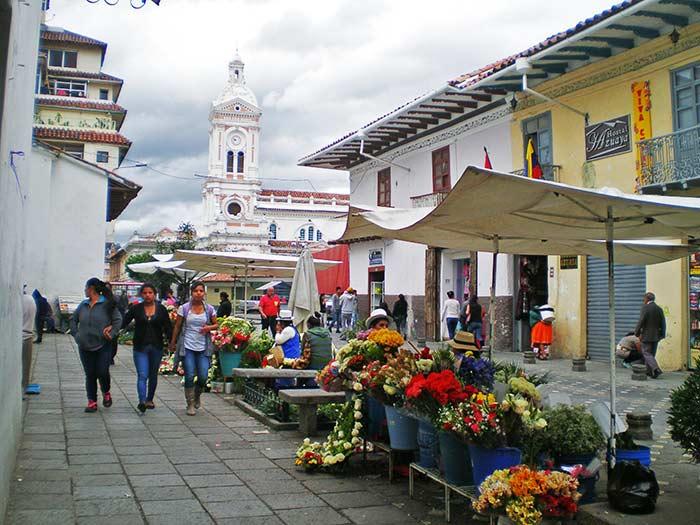Plaza de las Flores, Cuenca, Ecuador