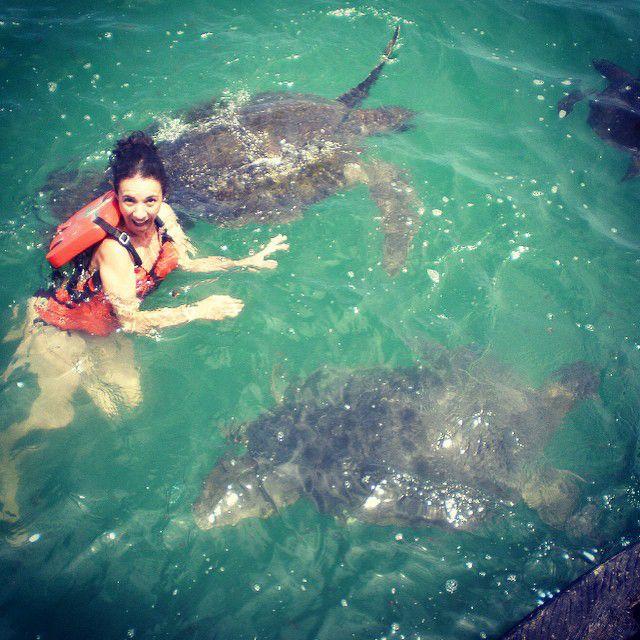 Nadando con tortugas en El Ñuro - Piura - Perú
