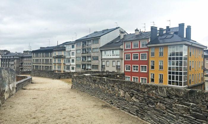 Casitas de Lugo vistas desde la muralla