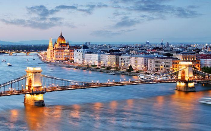 Vista de Budapest via Shutterstock