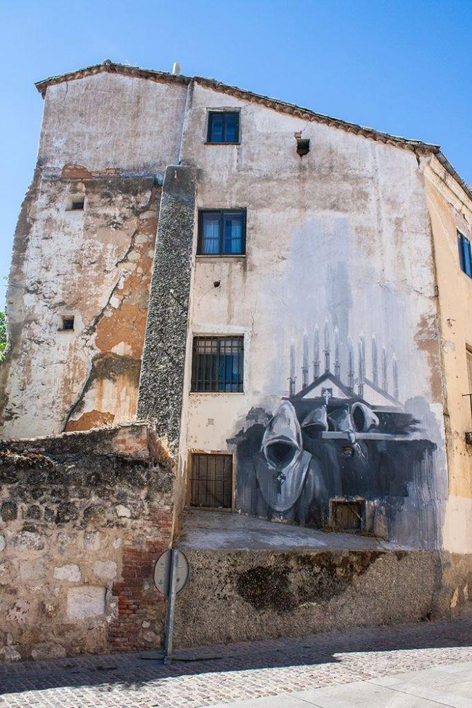Murales en las calles de Zamora que representan la Semana Santa zamorana