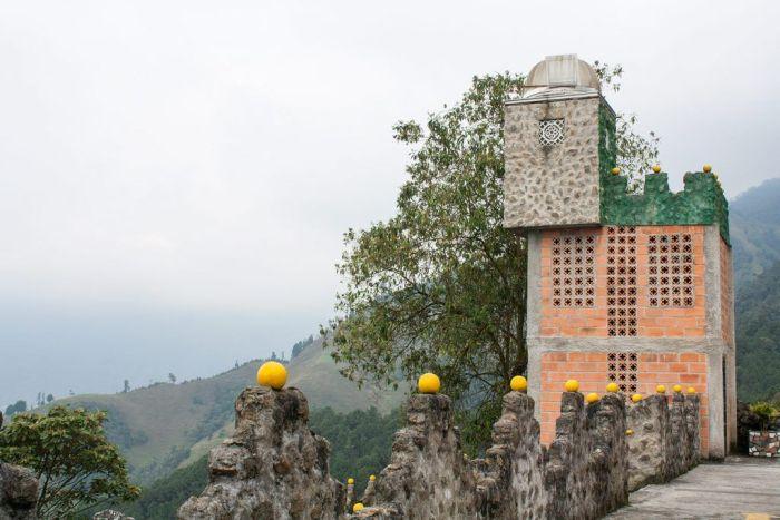 Un trozo de La Catedral, prisión de Pablo Escobar en Medellín
